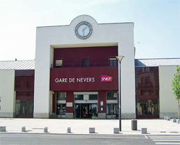 gare de nevers. Black Bedroom Furniture Sets. Home Design Ideas